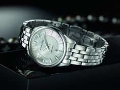 Hamilton Jazzmaster Lady Auto - stainless steel mother of pearl dial - prices from 675€
