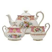 I'm such a dainty little girl. I love tea pots and tea parties :D