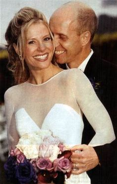 Ice figure skater & Olympic gold medalist Scott Hamilton married Tracie Robinson, a nutritionist, on November They have two sons. Celebrity Wedding Photos, Celebrity Couples, Celebrity Weddings, Scott Hamilton, Famous Couples, Royal Weddings, Celebs, Celebrities, Famous Faces