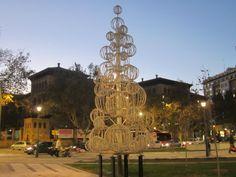 Ya es Navidad en la Plaza de Paraiso de Zaragoza. España