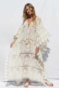 a875da5ba548b #kaftan #boho #bohemian #bohostyle Bat Sleeve, Lace Outfit, Swimsuit Cover