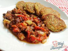 Vepřová směs se zeleninou a bramboráčky | NejRecept.cz Ratatouille, Pork, Meat, Chicken, Ethnic Recipes, Pork Roulade, Pigs, Buffalo Chicken, Cubs