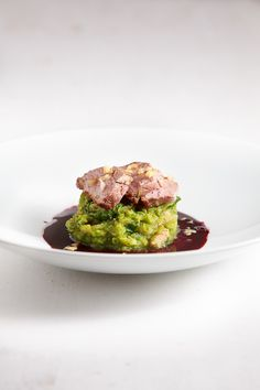 Glühwein-Ente mit Rosenkohl-Walnuss-Stampf Mulled wine duck with Brussels sprouts and mashed walnuts Burger Recipes, Salmon Recipes, Meat Recipes, Ratatouille Au Four, Mexican Dinner Recipes, Xmas Food, Asparagus Recipe, Paleo Dinner, Vegan