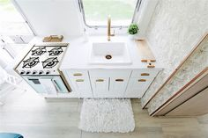 See beautiful @deltafaucetcan champagne faucets & more of the airstream renovation on lynneknowlton.com #HappyCamperAirstream