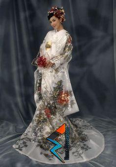 Sumi-e sequin yumi katsura Japan Fashion, India Fashion, Kimono Fashion, Japanese Costume, Japanese Kimono, Wedding Kimono, Fairytale Dress, Oriental Fashion, Kimono Dress