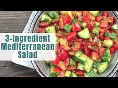 All-star Mediterranean salad recipe! Quick, refreshing and delicious! With fresh parsley a light dressing of fresh lemon juice and olive oil. The best! Meditranian Recipes, Greek Recipes, Salad Recipes, Vegetarian Recipes, Dinner Recipes, Cooking Recipes, Healthy Recipes, Clean Recipes, Healthy Foods
