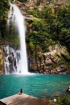 Cachoeira da Serra Azul - Nobres, Mato Grosso, Brazil I want to go to Brazil but at the same time I just saw touristias. Places Around The World, Oh The Places You'll Go, Places To Travel, Places To Visit, Wonderful Places, Beautiful Places, Brazil Travel, Brazil Vacation, Brazil Tourism