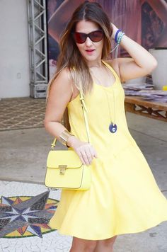 Look of the day, at yellow fever and royal blue. Beach style, Brasil. Arrezo petit bag. Celine box inspired