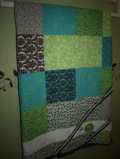 First quilt made to sell...but it matches the wall way to well..what to do :(