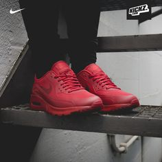 Ladies, are you ready for the triple red power? Nike Air Max 90 Ultra Essential All-Red
