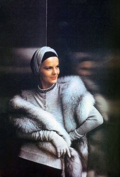 Fashion by Traina-Norell,cover of US Vogue, Sept. 1, 1944
