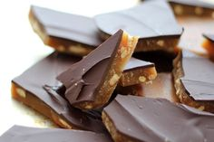 Chocolate Covered Pretzel Toffee by Barefeet In The Ktichen