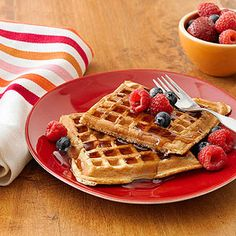 Stir up the mix for parents.com's Banana-Quinoa Waffles in the evening so you can just cook and eat for a quick #wholegrain breakfast! #myplate