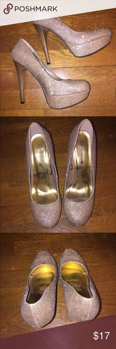 Gold Sparkly Pumps Body central gold pumps.... worn only once! Body Central Shoes Platforms