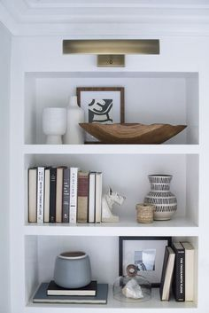 Great colour combination for a shelf.