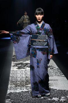 JOTARO SAITOの画像ギャラリー No.30/44 Japan Fashion, Runway Fashion, Traditional Japanese Kimono, Identity, Japanese Costume, Asian Street Style, Design Poster, Japanese Textiles, Japanese Embroidery