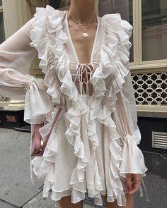 Ruffles # Outfits femme Ruffles on Ruffles Fashion Mode, Look Fashion, Spring Fashion, High Fashion, Fashion Outfits, Womens Fashion, Fashion Trends, Fashion Ideas, Autumn Fashion