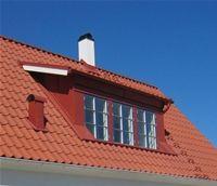 Stor takkupa med tre fönster