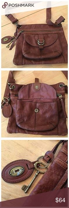 """Fossils Sasha Crossbody Bag Beautiful rich leather bag that can be worn crossbody or on the shoulder. Other than a few blemishes, this bag is in great shape. Freshly polished just for you. Measures 12"""" x 14"""" x 3"""". 💥 Reasonable offers accepted 💥 Fossil Bags Crossbody Bags"""