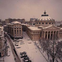 White Bucharest #white #bucharest #bucuresti #snow #winter #archidaily #archilovers #architecture #travel #travelgram #instatravel #romania #ig_romania #ateneulroman