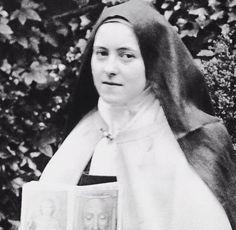 Catholic Saints, Virgin Mary, Faith, Saints, People, Christian Pictures, Nun, Love, Blessed Virgin Mary