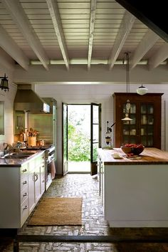 Décor de Provence - black framed doors, ceiling
