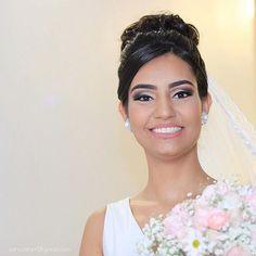'📷 Samara, a noiva que possui um carisma e simpatia inigualável.  Casamento de  Sam 👰🏼❤️👨🏻Peu.  Entre em contato e faça seu orçamento. (95) 98107-0053 (95) 98116-6932 #casamento #noivos #wedding #beautiful #felicidades #love #fidelidade #compromisso #alegria #smile #moments #photooftheday #canon #cores #vibração #conquista #amigos #lealdade #cute #like #okiá #day #happy #benção #juntos #casal #eterno #life #shirleyrodrigues' by @sancastrofotografia.  #bridesmaid #невеста #parties…