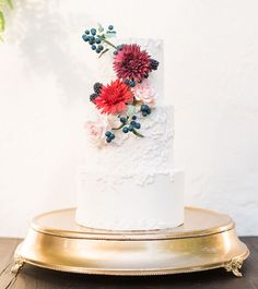 Elegant Fall Inspiration Cake on metallic cake stand