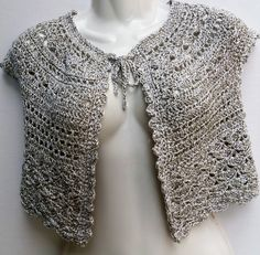 Coprispalle di cotone all' uncinetto Crochet Top, Tops, Women, Fashion, Moda, Women's, Fashion Styles, Woman, Fasion