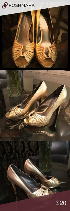 Jessica Simpson Heels Jessica Simpson gold heels. Never worn and in good conditions. Size 7 1/2 Jessica Simpson Shoes Heels