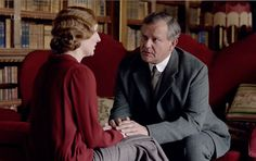 Lord Grantham consoles Lady Edith about Michael Gregson