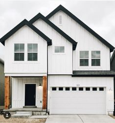 House Modern Exterior Curb Appeal Ideas For 2019 Modern Farmhouse Design, Modern Farmhouse Exterior, Farmhouse Style Decorating, Modern Craftsman, White Farmhouse, The Ranch, Home Design, Design Ideas, Mochi