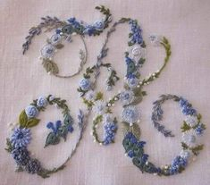 Wonderful Ribbon Embroidery Flowers by Hand Ideas. Enchanting Ribbon Embroidery Flowers by Hand Ideas. Embroidery Alphabet, Embroidery Monogram, Hand Embroidery Stitches, Silk Ribbon Embroidery, Hand Embroidery Designs, Vintage Embroidery, Cross Stitch Embroidery, Machine Embroidery, Geometric Embroidery