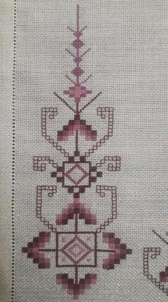 This Pin was discovered by Mer Hardanger Embroidery, Folk Embroidery, Embroidery Stitches, Embroidery Patterns, Cross Stitch Patterns, Broderie Bargello, Swedish Weaving Patterns, Machine Embroidery Projects, Types Of Embroidery