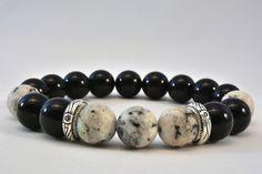 Bransoletka z czarnego turmalinu i szaro-czarnego jadeitu dla mężczyzny w AnkArtJewelry na Etsy Black Tourmaline, Metallica, Silver Color, Natural Stones, Beaded Bracelets, Gifts, Etsy, Accessories, Jewelry
