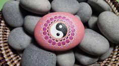 Yin Yang painted rock ideas My Town, Yin Yang, Rock Painting, Rock Art, Feng Shui, Painted Rocks, Reiki, Zen, Stones