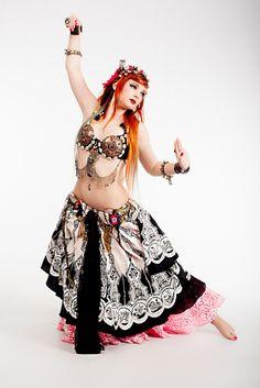gypsy/fusion, photo unknown source, dancer Amber Skyline