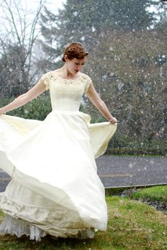 Vintage 1950s Wedding Gown - Gorgeous Taffeta Wedding Gown with Heavy Lace Collar by William Cahill - Innamorare