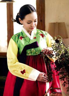 한복 Hanbok / Green & yellow floral patern jeogori and red chima / Traditional Korean dress