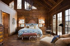 Log America provides the best in log home builder packages allowing you to customize your NC log home, supplying and building North Carolina log homes, luxury log home plans. Log Home Bedroom, Guest Bedroom Decor, Guest Bedrooms, Master Bedrooms, Dream Bedroom, Log Home Builders, Log Home Plans, Cabin Plans, Log Home Designs