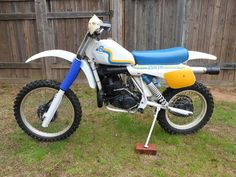 1982- Husqvarna 250CR Motocross Tracks, Off Road Bikes, Bike Rider, Dirtbikes, Atvs, Vintage Bikes, Scrambler, Stress Relief, Biking