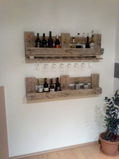 Weinregal aus Euro-Paletten Wine Rack, Floating Shelves, Euro, Projects To Try, Cabinet, Storage, Furniture, Home Decor, Recycling Furniture