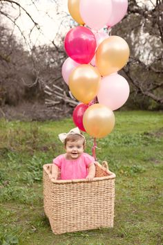 first birthday pic idea with balloons
