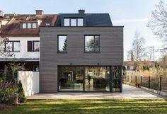 ARCS Architekten - Project - Row house in Harlaching - House Extension Design, House Design, House Extensions, Facade House, House Facades, Cladding, Exterior Design, Future House, Home Fashion
