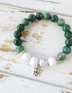 Moss Agate is a stone that is closely associated with nature bringing a sense of new beginnings. It's a stone that promotes emotional balance and good health by releasing old habits and allowing forgiveness. It attracts abundance and improves self-esteem. Physically, Moss …