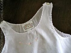 A shell hem features a scalloped effect created by a decorative shell stitch that attaches the narrow, folded hem allowance to the garment. It is used on lingerie and feminine clothing. Love Sewing, Sewing For Kids, Baby Sewing, Sewing Hacks, Sewing Tutorials, Dress Tutorials, Sewing Ideas, Sewing Tips, Sewing Projects