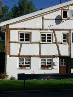 "Foto in ""Referenz-Objekte von FensterFrank"" - GoogleFotos Cabin, Studio, House Styles, Google, Home Decor, Environment, Pictures, Traditional Design, Windows And Doors"