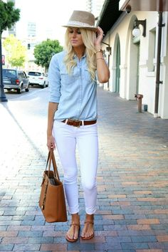 Outfit Idea: White Jeans - chambray shirt tucked into .belted low-rise white jeans, worn with brown sandals. Love this look! Work Casual, Casual Chic, Casual Dressy, Simple Work Outfits, Sporty Chic, Dress Casual, Smart Casual, Looks Camisa Jeans, Mode Outfits