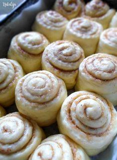 Donut Recipes, Sweets Recipes, Baking Recipes, Cookie Recipes, Snack Recipes, Bread Recipes, Croation Recipes, Kiflice Recipe, Kolaci I Torte
