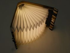 折り畳めるブック型ライト「Shell-Light」/5color